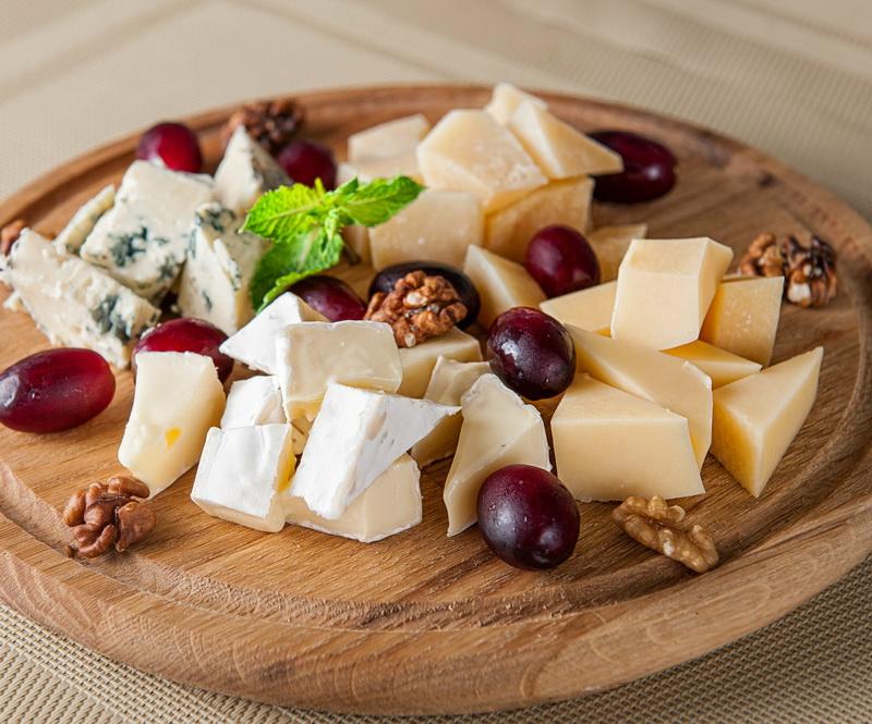Сырная тарелка-с чем подают глинтвейн
