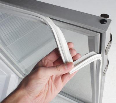 Uplotnitel (ущільнювач дверцят холодильника)