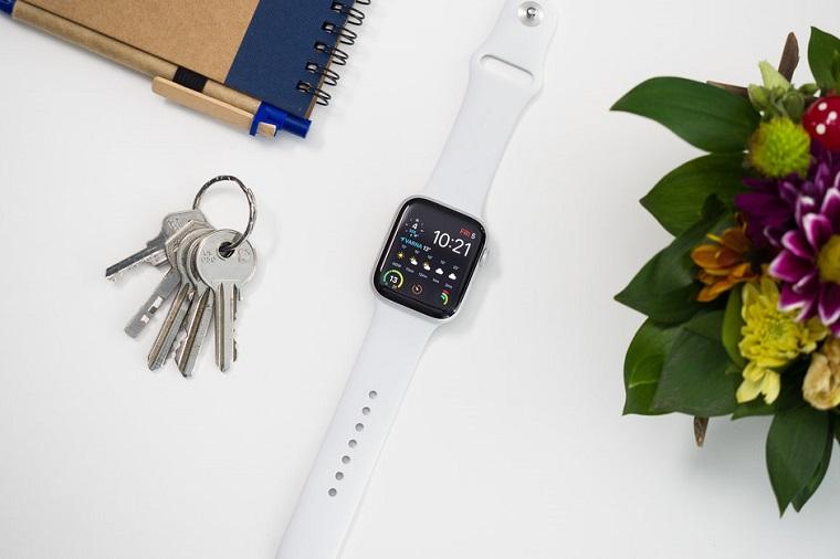 Обзор Apple Watch 4 - смарт часы с ключами
