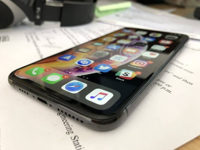 Обзор Apple iPhone Xs и Xs max - iOS на экране