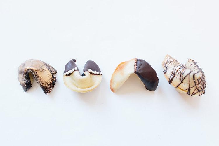 Печенье с предсказаниями-декор