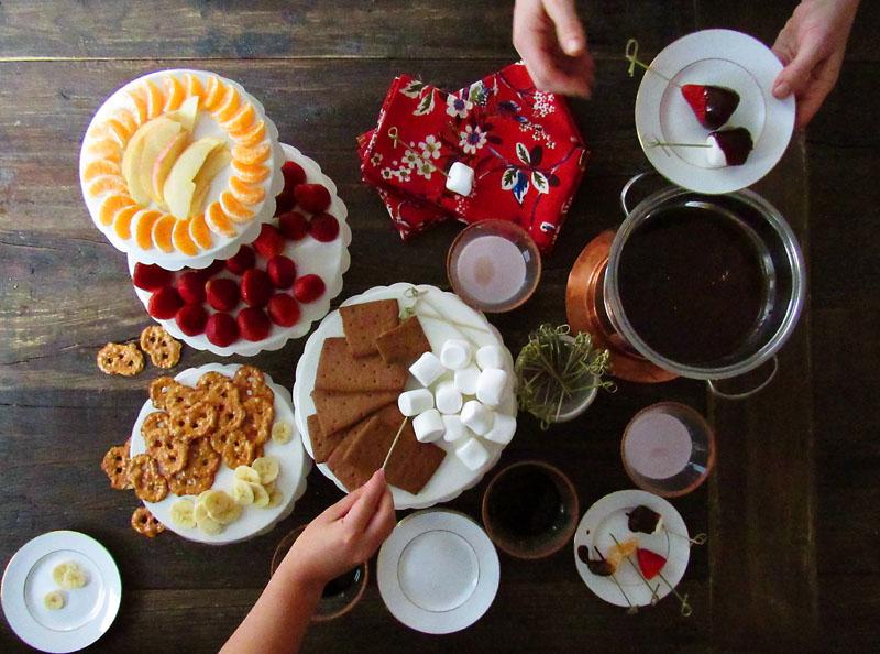 Шоколадная фондю-вечеринка