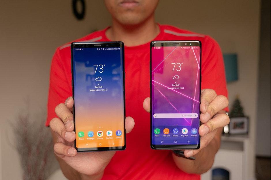Сравниваем Samsung Galaxy Note 9 с Galaxy Note 8 - смартфоны в руках