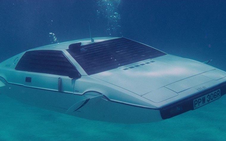 Суперавтомобиль Бонда Lotus Esprit