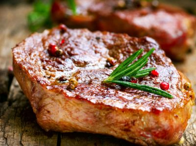 Свинячий стейк зі спеціями