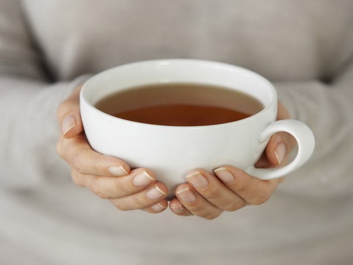 Чашка чая-в руках