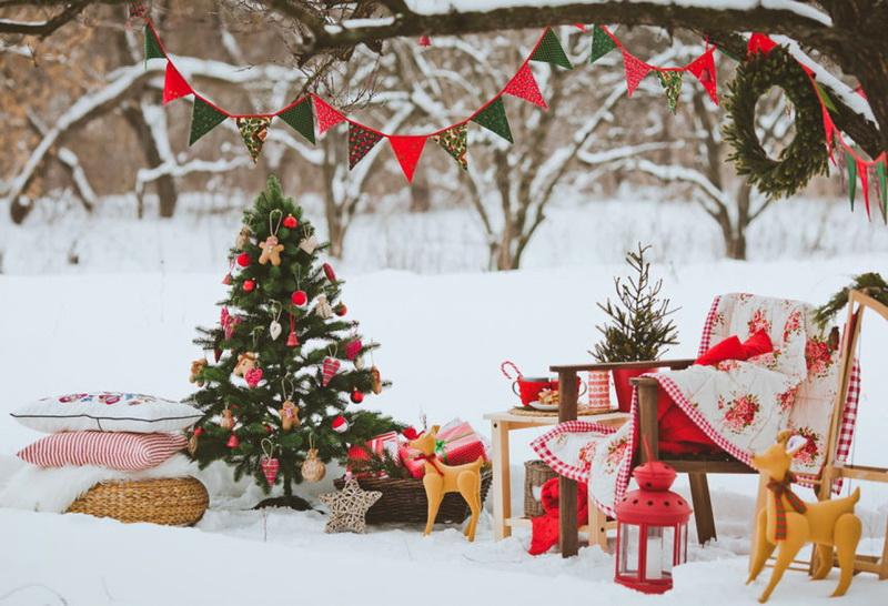 Как украсить двор-подготовка к Новому году