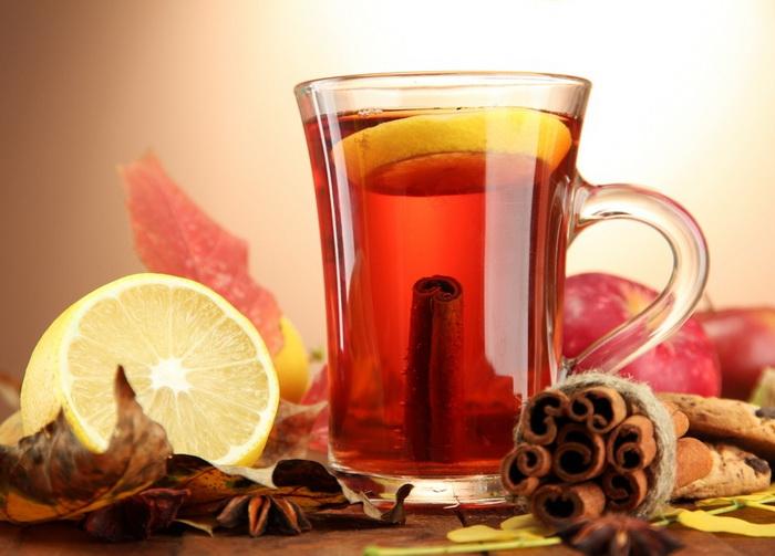 Коричный чай с лимоном-подача