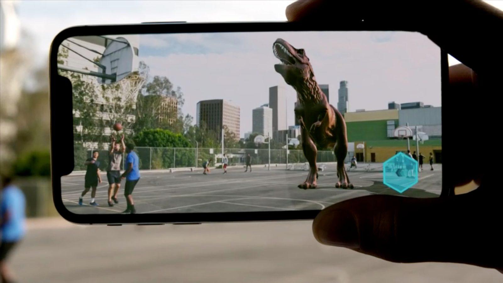 Обзор iOS 12_какая она сейчас и что ожидать в дальнейшем - динозавр на экране