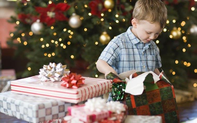 Подарки для детей на Новый год и Рождество
