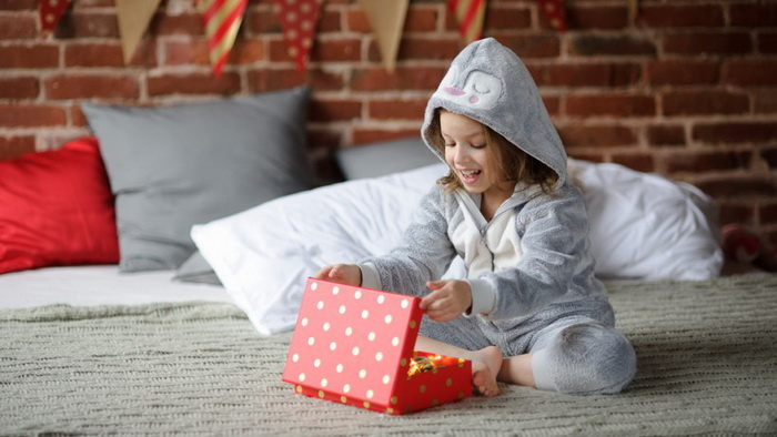 Подарок-под подушкой