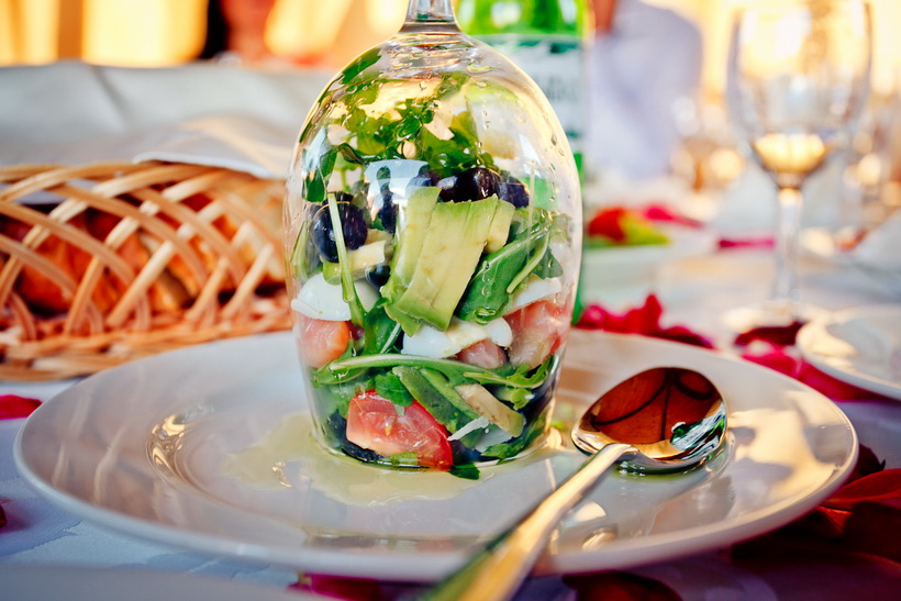 Салат в бокале-подача
