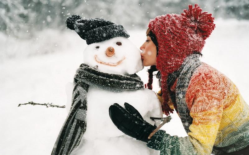 Снежный декабрь-снеговик