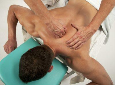 Перший спосіб зняти біль у м'язах - масаж