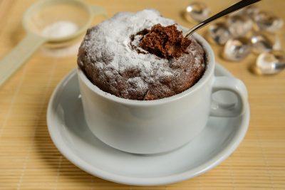 Шоколадний кекс в кружці