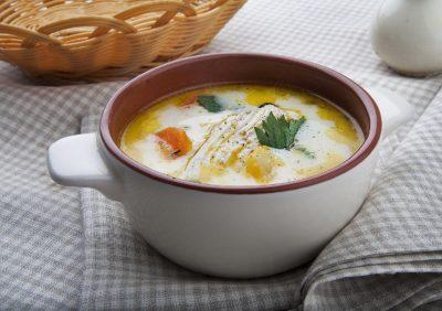 Сырный суп в бульоннице
