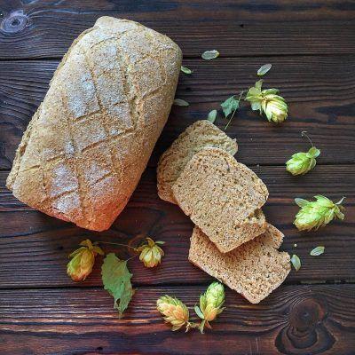 Хлеб и хмельные шишки