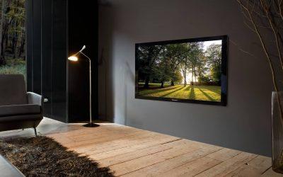 Kak-nastroit-smart-tv-samostoyatelno-televizor-na-stene