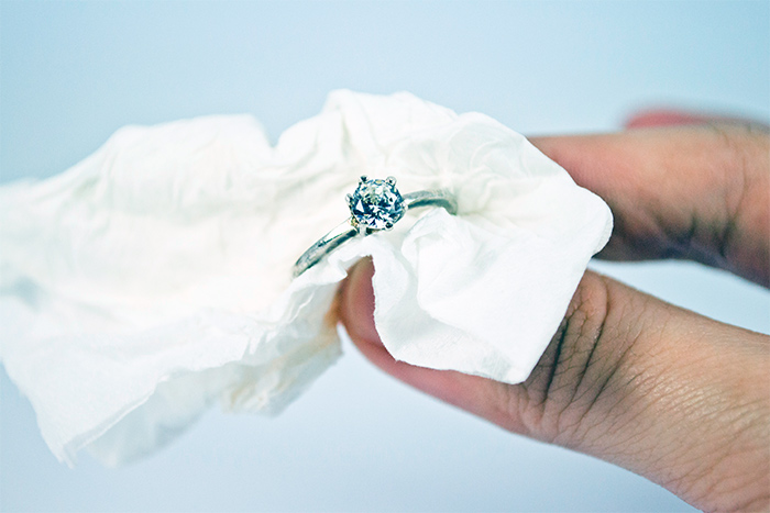 Как почистить серебро от черноты-в домашних условиях