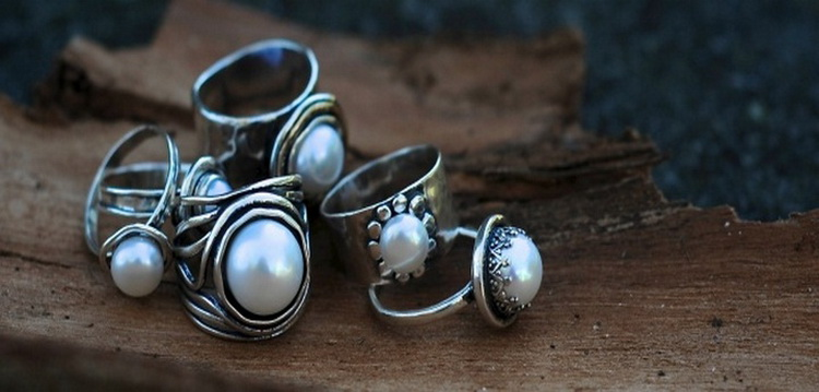 Как почистить серебро-способы