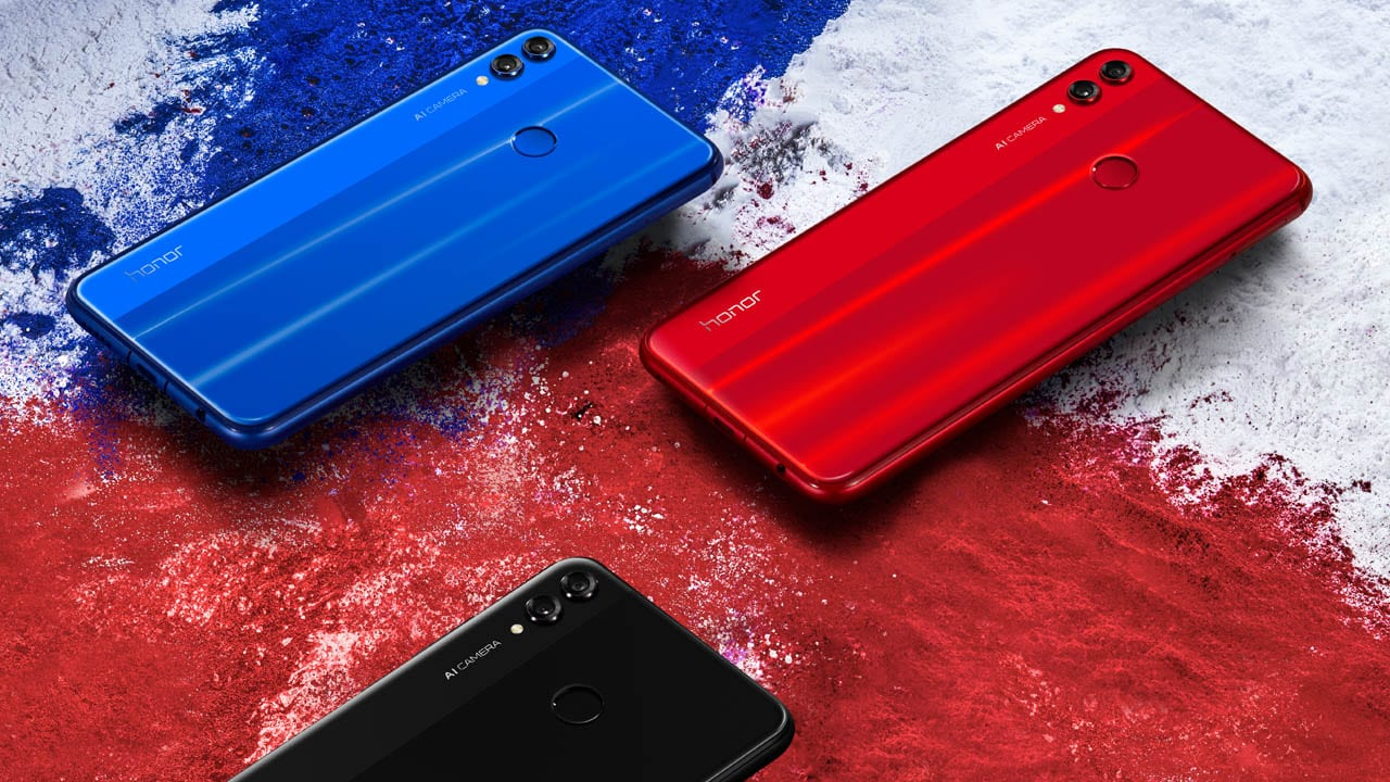 Обзор смартфона Honor 10 Lite - смартфон в разных цветах