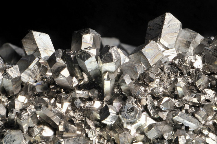 Серебро-драгоценный металл