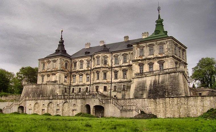Фасад Подгорецкого замка