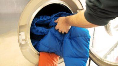 Можно ли стирать пуховик в стиральной машине