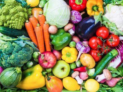 Из чего готовятся блюда для вегетарианцев? Используются грибы, крупы, овощи и фрукты.