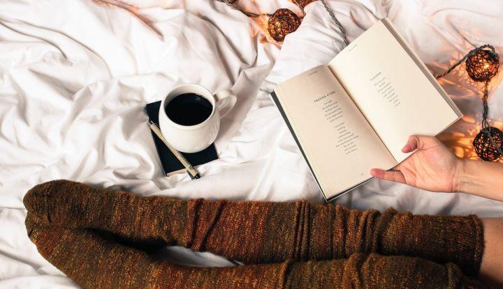 Какао-плед и книга
