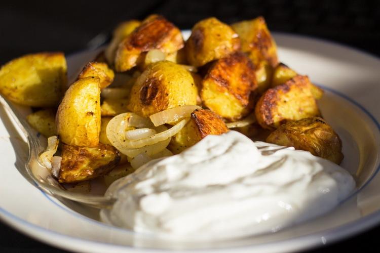 Картофель со сметаной-подача