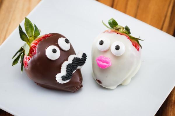 Клубника в шоколаде-как сладко отметить День святого Валентина