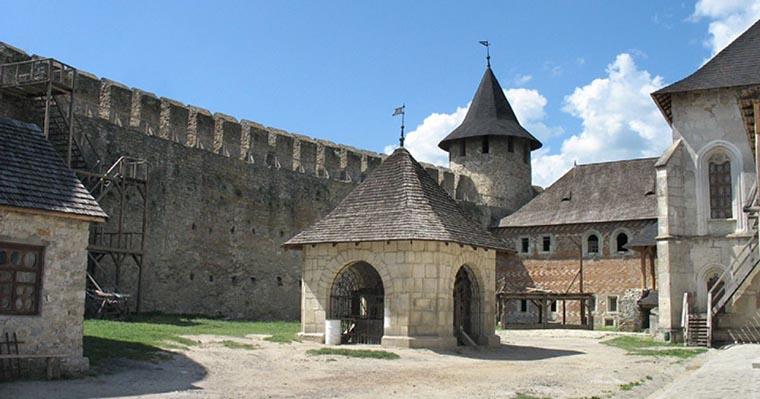 Крепостной двор Хотин