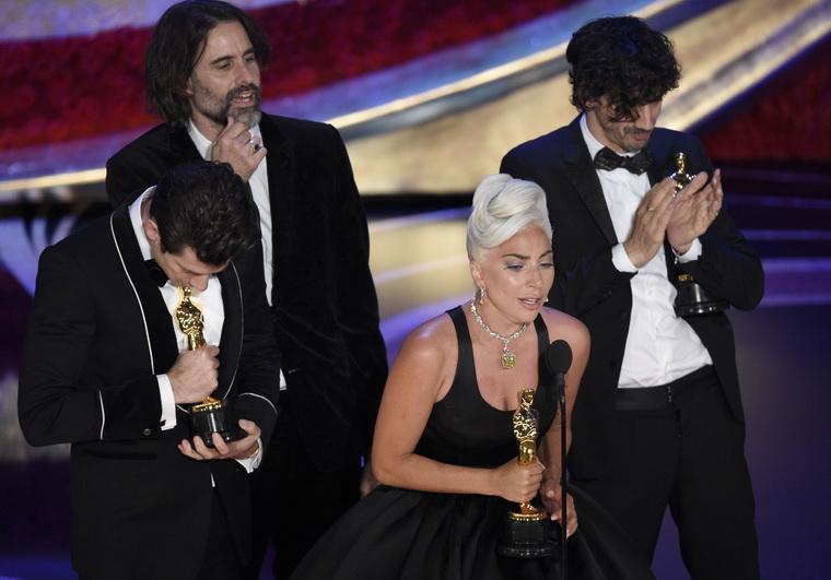Леди Гага-статуэтку за саундтрек Shallow