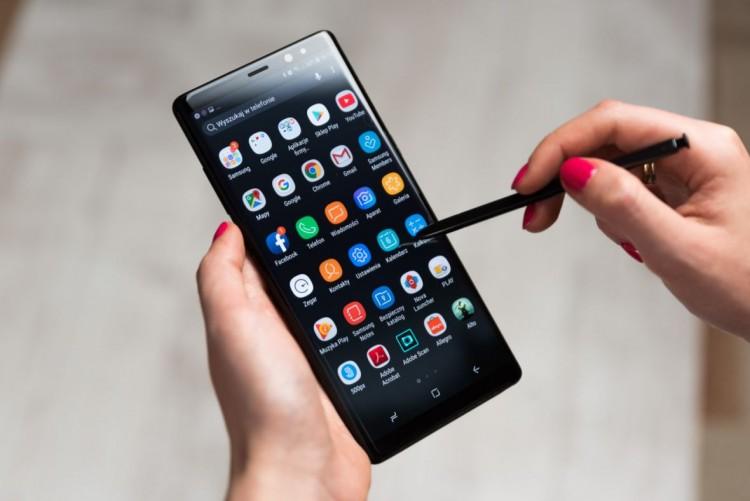 One UI от Samsung. Обзор новой оболочки для смартфонов - смартфон со стилусом
