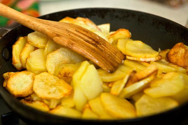 Сковорода картошки-секреты вкусного блюда