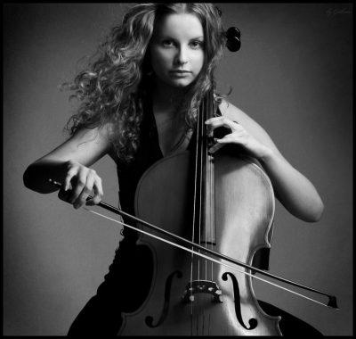 Hobbi-kotoryie-delayut-nas-umnee-i-produktivnee.-----igra-na-instrumente.