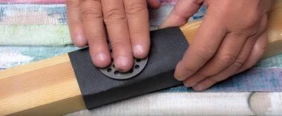 Як правильно заточити ніж за допомогою наждачного паперу