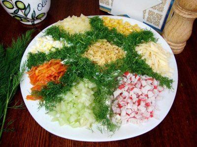 Салат з крабовими паличками і огірками