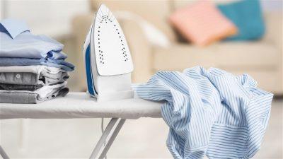 Як почистити підошву праски