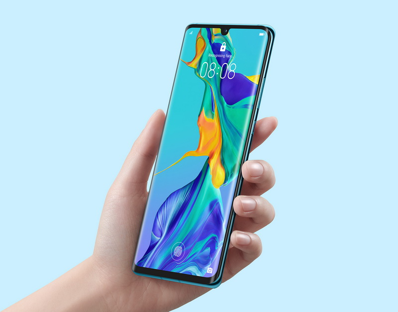 Huawei P30 Pro-смартфон в руках