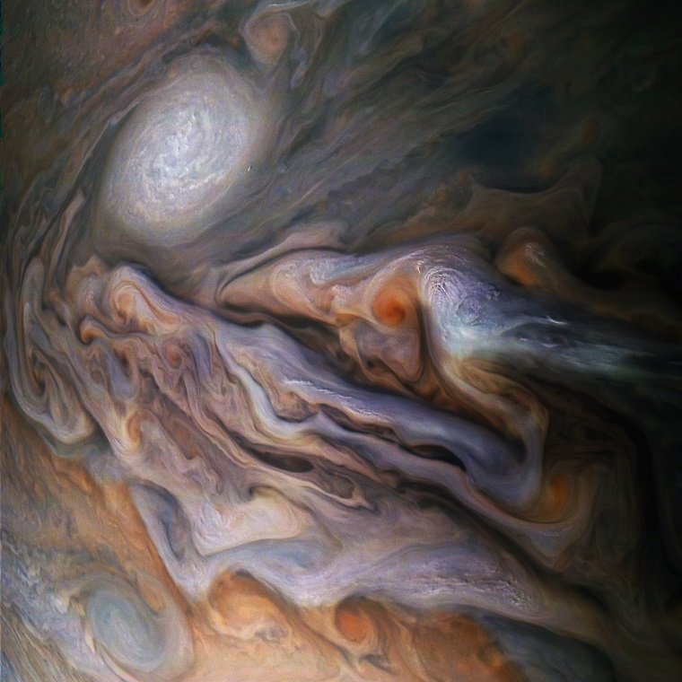 Невероятные фотографии атмосферы Юпитера 4