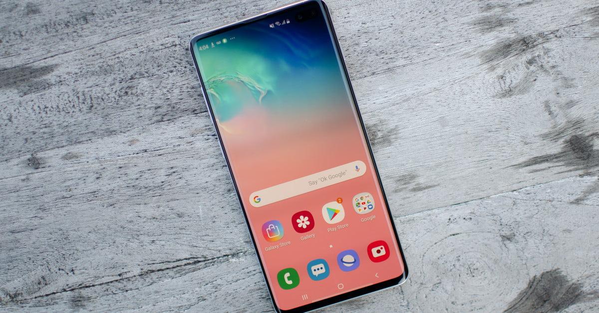 Обзор galaxy S10e_бюджетный флагман от Samsung - дисплей смартфона
