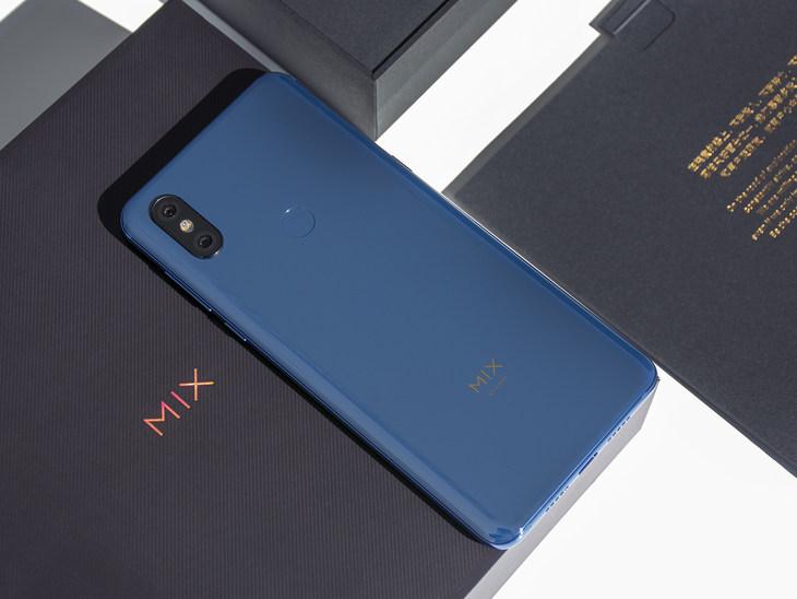Слайдер нового поколения_ Xiaomi Mi Mix 3 - задняя крышка смартфона