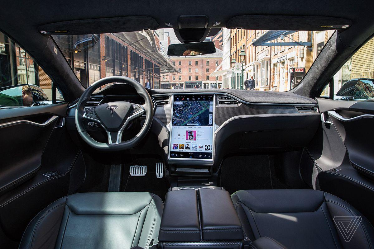 Автомобили тесла смогут полностью самостоятельно ездить 5