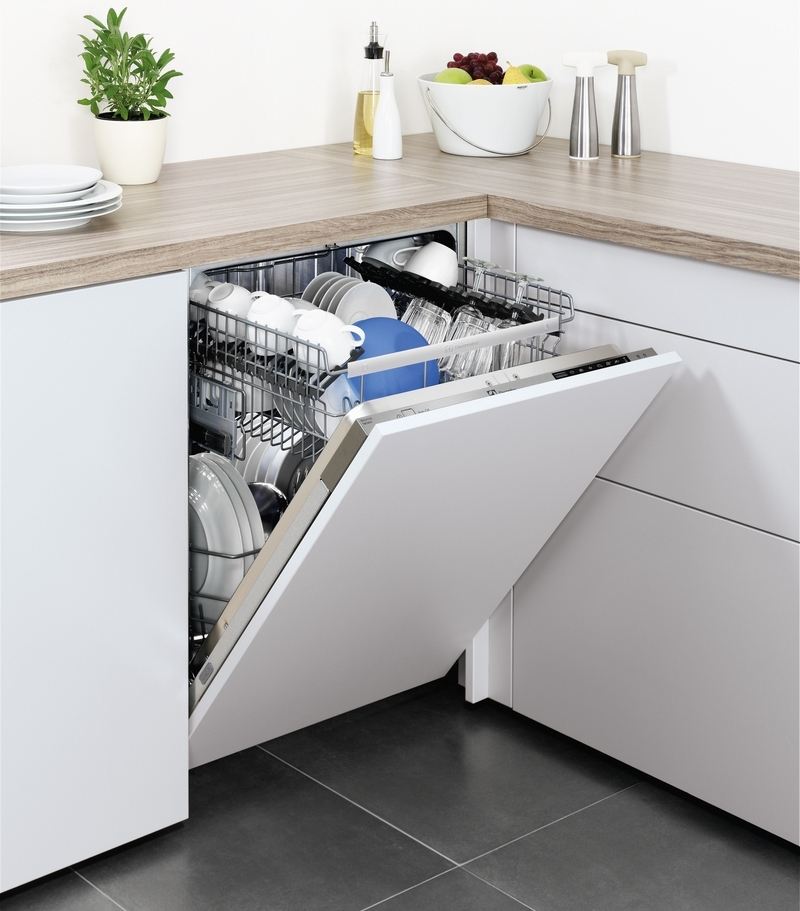 Как выбрать посудомоечную машину - посудомойка с посудой