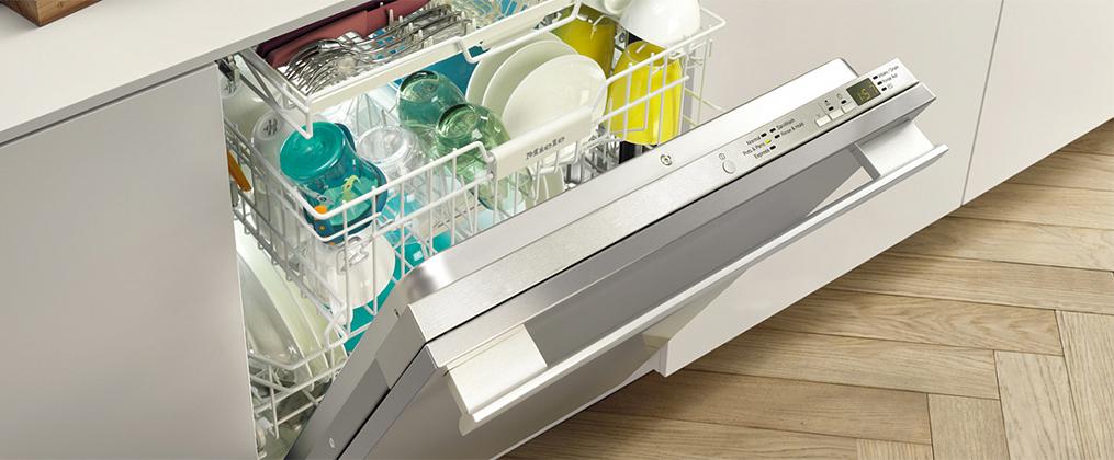 Как выбрать посудомоечную машину - загруженная посудомоечная машина