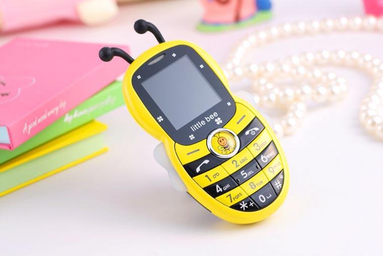 Кнопочный телефон для ребенка