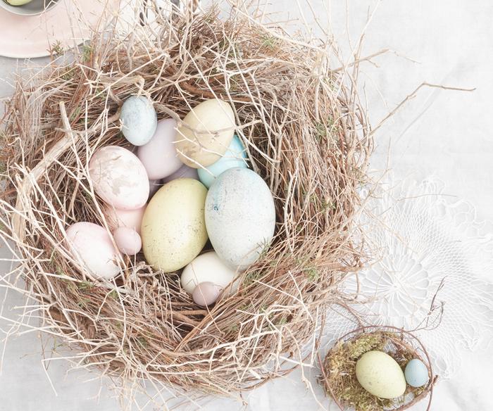 Креативное окрашивание пасхальных яиц-идеи