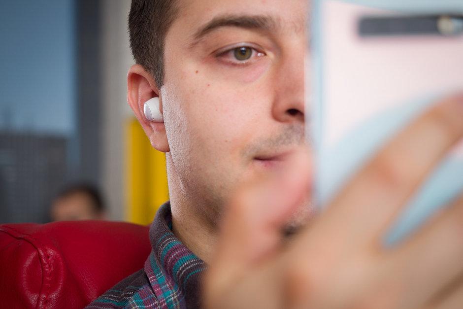 Обзор Samsung Galaxy Buds - наушники в ушах